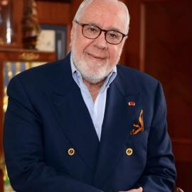 En memoria de Gustavo Noboa Bejarano.